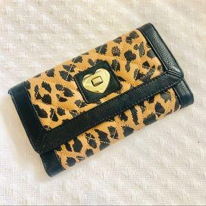 BETSEY JOHNSON - leopard wallet
